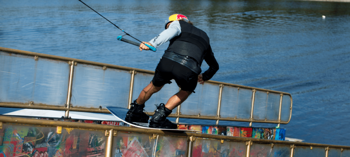 ronix-kinetik-project-flexbox-1-wakeboard-action-pic