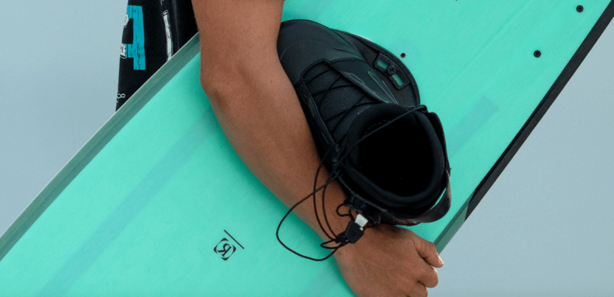 ronix-one-wakeboard-bindung-2021-action