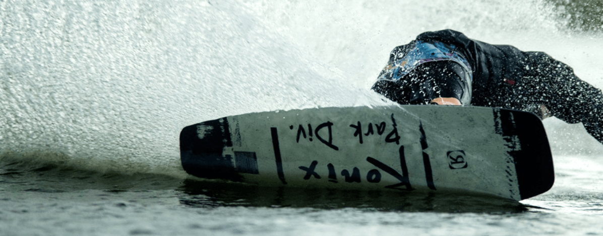 ronix-top-notch-wakeboard-2021-action-pic