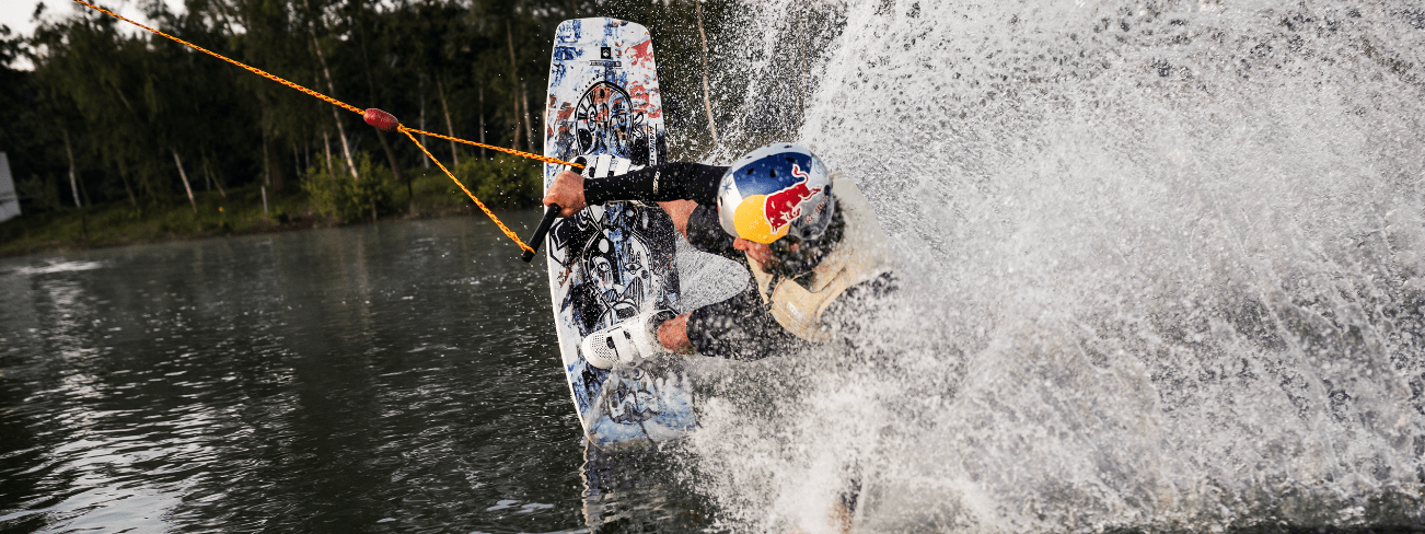 Liquid-Force-Butterstick-Pro-Wakeboard-action