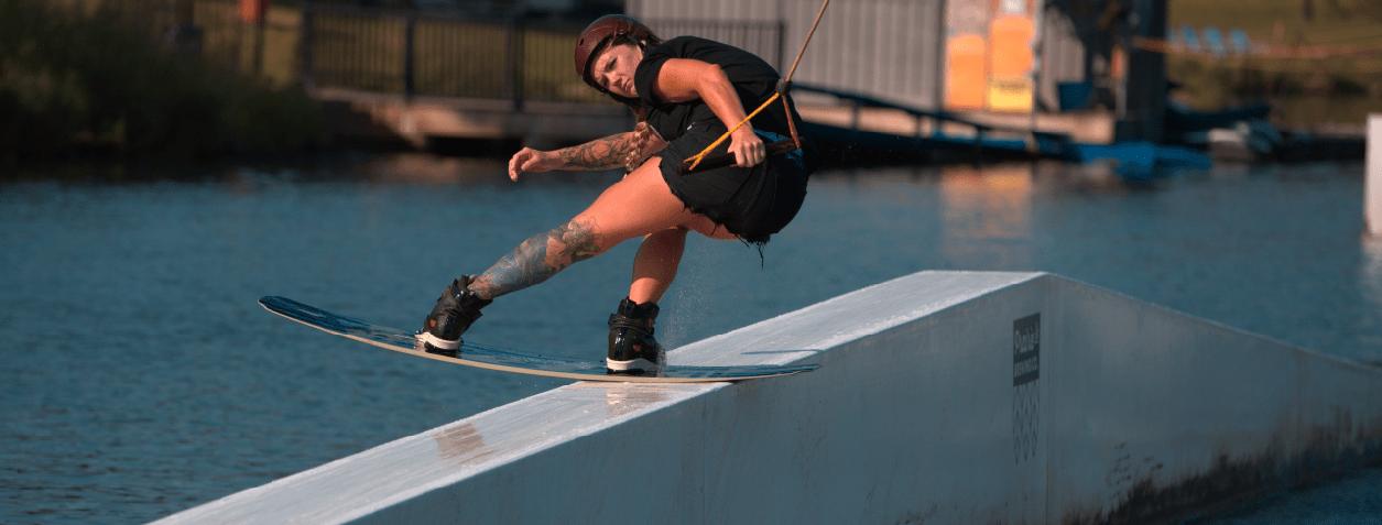 Liquid-force-virago-wakeboard-action