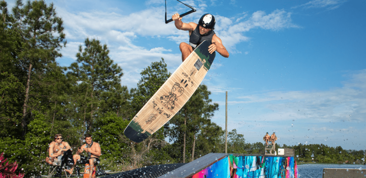 ronix-top-notch-pro-wakeboard-2021-action-pic